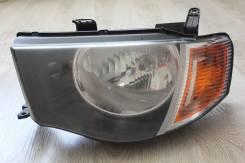 Фара. Mitsubishi L200