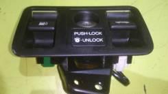 Ручка открывания бензобака. Toyota Aristo, JZS160 Двигатель 2JZGE