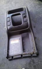 Консоль центральная. Chevrolet Tracker Suzuki Grand Vitara, TL52, 3TD62 Suzuki Escudo, TL52W, TA52W, TD02W, TD32W, TD62W, TA02W, TD52W Двигатель J20A