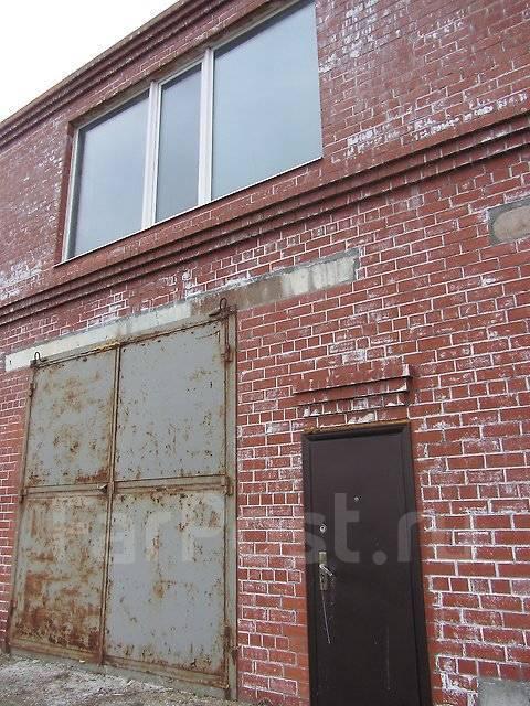 Таунхаус - лодочный гараж 134,5 кв. м., 2 этажа. Улица Татарская 11, р-н Вторая речка, 134кв.м. Дом снаружи