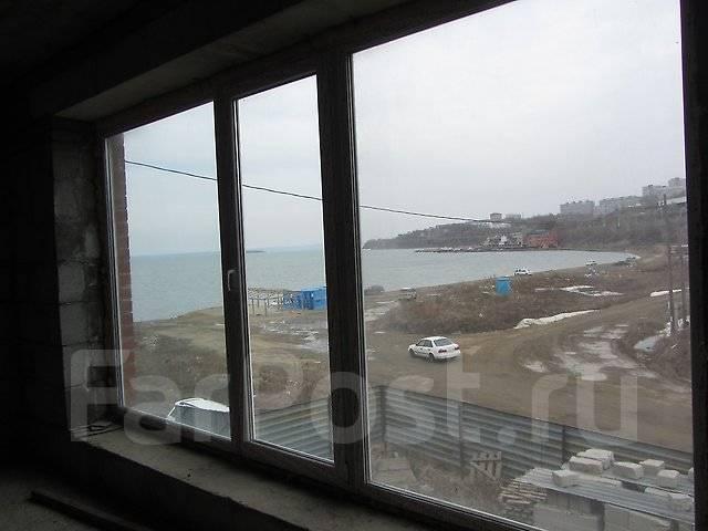 Таунхаус - лодочный гараж 134,5 кв. м., 2 этажа. Улица Татарская 11, р-н Вторая речка, 134кв.м. Вид из окна