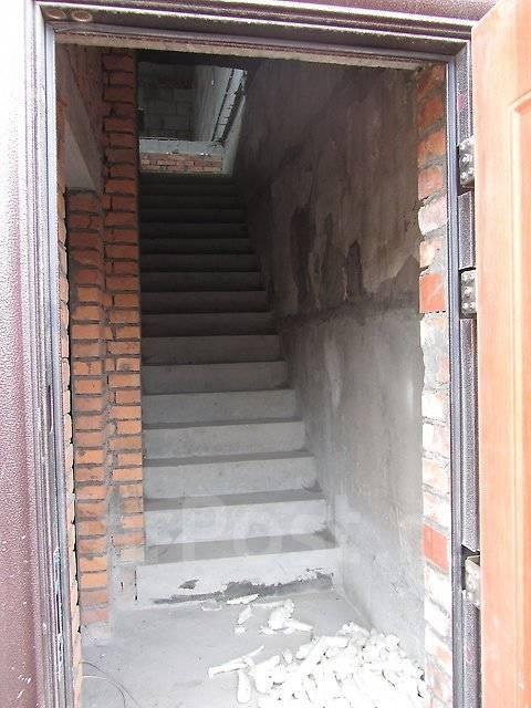 Таунхаус - лодочный гараж 134,5 кв. м., 2 этажа. Улица Татарская 11, р-н Вторая речка, 134кв.м.