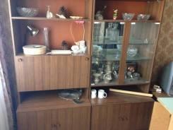 Шкафы тумбочки столы стенка