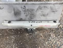 Крышка рамки радиатора. Mitsubishi Colt, Z27WG, Z24W, Z23W, Z27W, Z27A, Z26A, Z25A, Z24A, Z27AG, Z28A, Z23A, Z22A, Z21A