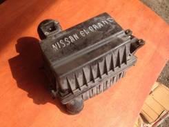 Корпус воздушного фильтра. Nissan Elgrand, ALE50 Двигатель VG33E