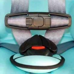 Фиксатор на ремни безопасности детского автокресла