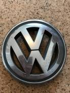 Эмблема решетки. Volkswagen Passat