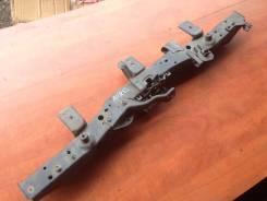 Крышка рамки радиатора. Toyota Auris, NZE151, NZE151H
