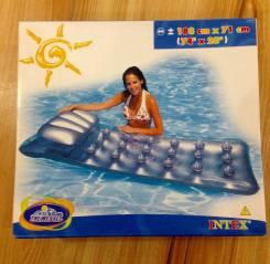 Матрасы надувные для плавания.