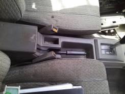 Консоль центральная. Nissan Bluebird, U11