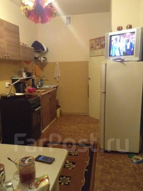 2-комнатная, улица Крыгина 86в. Эгершельд, частное лицо, 59 кв.м.