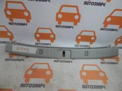 Панель замка багажника. Lexus