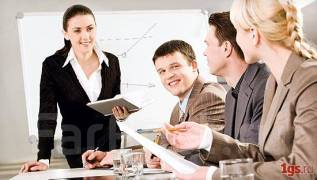 Деловой женщине-руководителю требуется помощник.
