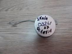Заглушка буксировочного крюка переднего бампера Skoda Octavia