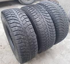 Bridgestone Blizzak Spike-01. Зимние, шипованные, 2013 год, износ: 5%, 3 шт