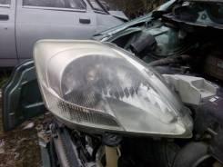 Фара. Toyota Yaris