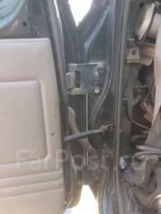 Крепление двери багажника. Nissan Safari