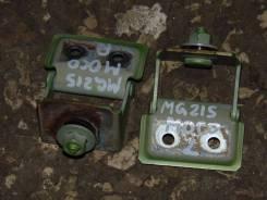 Крепление двери багажника. Nissan Moco, MG21S Двигатель K6A