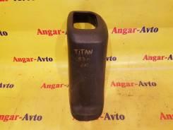 Кожух ручки переключения трансмиссии. Mazda Titan