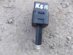 Концевик под педаль тормоза. Nissan Bluebird Sylphy, KG11