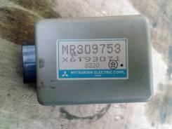 Блок управления зеркалами. Mitsubishi Pajero, V55W, V25W, V45W, V46W, V46V, V26WG, V21W, V46WG