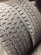 Bridgestone Blizzak Revo 969. Зимние, без шипов, 2015 год, износ: 10%, 2 шт
