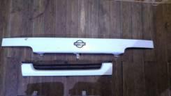 Решетка радиатора. Nissan Atlas, R4F23