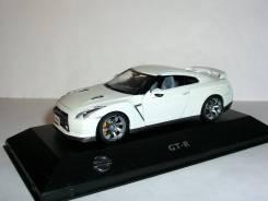 Nissan GT-R (R35) LHD 2008 J-collection 1:43 Ниссан ГТР Белый (+вар. ц)