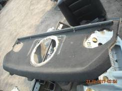 Полка багажника. Mercedes-Benz E-Class, W124