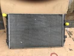 Радиатор охлаждения двигателя. Volkswagen Tiguan
