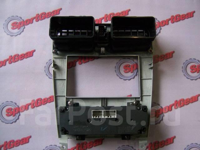 Кронштейн климат-контроля. Subaru Forester, SG5 Двигатели: EJ205, EJ203