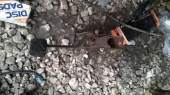 Педаль тормоза. Nissan Skyline, HR32, HNR32, HCR32, ECR32, YHR32, FR32, ER32, BNR32