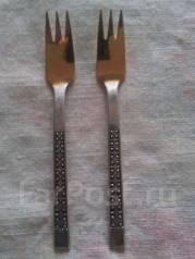 Продам десертные серебряные с позолотой вилки (Прибалтика). Оригинал
