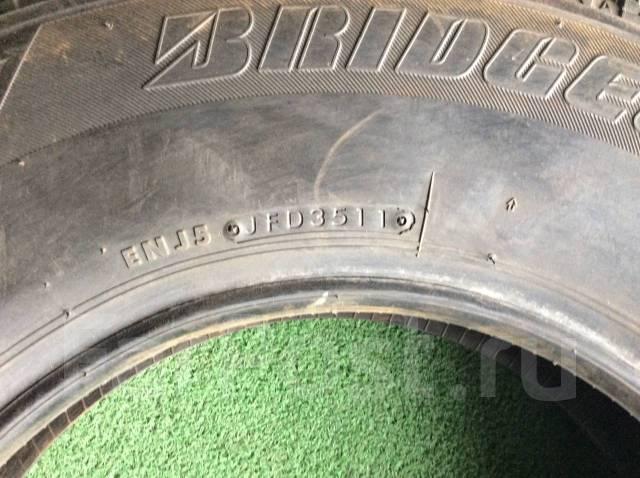 Bridgestone Blizzak Revo2. Зимние, 2011 год, без износа, 2 шт