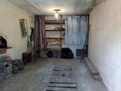 Продам сухой Гараж. улица Днепровская 36, р-н Столетие, 18 кв.м., электричество, подвал. Вид изнутри