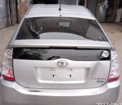 Накладка на дверь багажника. Toyota Prius, NHW20 Двигатель 1NZFXE
