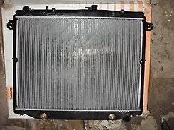 Радиатор охлаждения двигателя. Lexus LX470, UZJ100 Toyota Land Cruiser, UZJ100 Двигатель 2UZFE