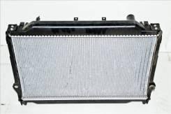 Радиатор охлаждения двигателя. Toyota Land Cruiser, FZJ80, HZJ80, HZJ81 Двигатель 1HZ