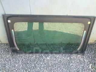 Стекло заднее. Toyota Prius