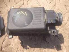 Корпус воздушного фильтра. Toyota Wish, ZNE10, ZNE10G, ZNE14, ZNE14G Двигатель 1ZZFE
