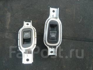Кнопка стеклоподъемника. Toyota Crown, GRS210
