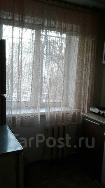 2-комнатная, улица Кирова 44. Вторая речка, частное лицо, 45 кв.м. Вид из окна днем
