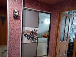 2-комнатная, улица Милицейская 35. Центр, частное лицо, 50 кв.м. Прихожая