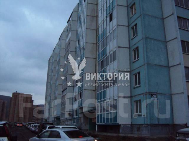 2-комнатная, улица Анны Щетининой 28. Снеговая падь, проверенное агентство, 54 кв.м. Дом снаружи