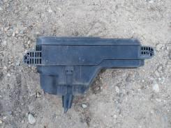 Блок предохранителей под капот. Toyota Ipsum, SXM10, SXM10G