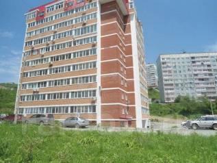 2-комнатная, улица Черняховского 3б. 64, 71 микрорайоны, агентство, 63 кв.м. Дом снаружи