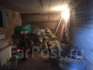 Гаражи кооперативные. Станюковича 33, р-н Эгершельд, 21кв.м., электричество, подвал. Вид изнутри