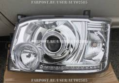 Фары тюнинг Toyota Hiace 2005  хром белые линза
