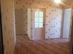 2-комнатная, улица Заречная 14б. Сахпоселок , частное лицо, 55 кв.м. Прихожая