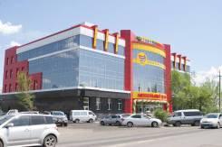 Сдается торговая площадь (1126 кв. м. ) в Уссурийске. 1 226 кв.м., улица Краснознаменная 184а, р-н Центр. Дом снаружи